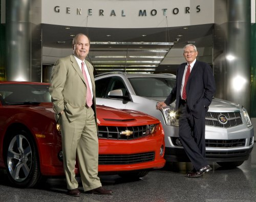 GM, Chrysler: New leaders on two tracks