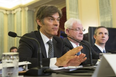 Colleagues want Dr. Oz off Columbia University staff