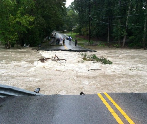 Death count climbs to 11 as South Carolina flooding continues