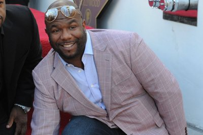 Wanya Morris impresses judges with N'SYNC-inspired performance on 'Dancing'