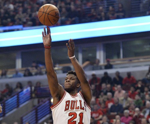 Blazing Jimmy Butler guides Chicago Bulls past New Orleans Pelicans