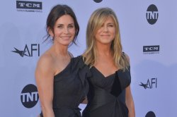 'Friends' to remain on Nick at Nite under new deal