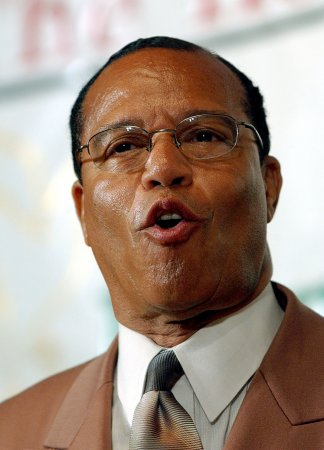 Obama praised by Louis Farrakhan