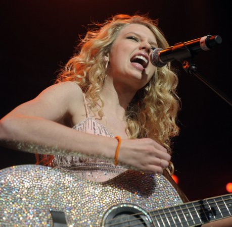 'Fearless' No. 1 on the U.S. album chart