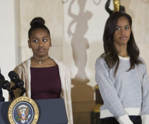 GOP aide steps down over Obama daughters comments