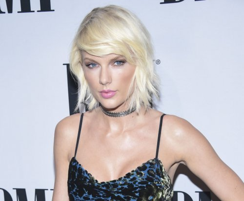 Taylor Swift congratulates Cardi B on her No. 1 single