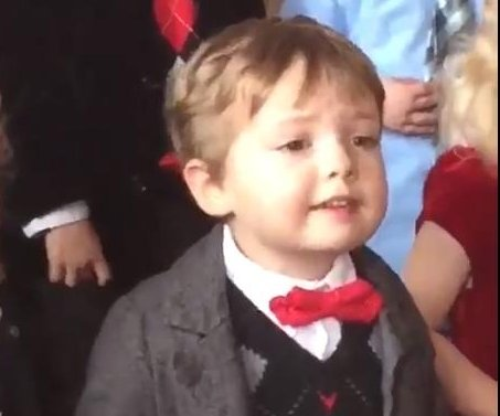 Toddler wins Christmas pageant by explaining practice technique