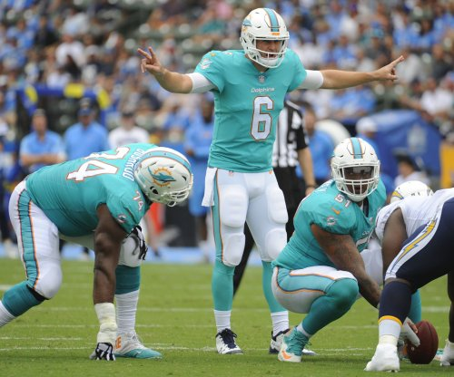 Jay Cutler, Miami Dolphins snap New England Patriots' 8-game win streak