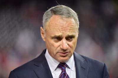 Rob Manfred: Shorter season likely, eyeing May return