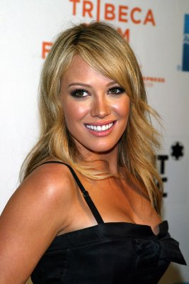 Hilary Duff signs deal with NBC