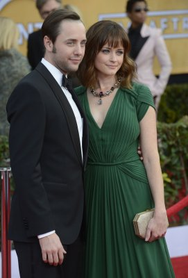 Alexis Bledel, Vincent Kartheiser kept it professional on 'Mad Men' set