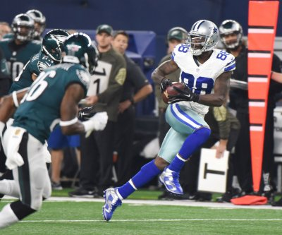 Fantasy Football: Dallas Cowboys WR Dez Bryant misses practice with knee injury