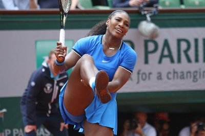 Serena Williams continues quest at Australian Open