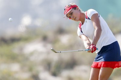 Lexi Thompson mocks LPGA about dress code with 1900s outfit