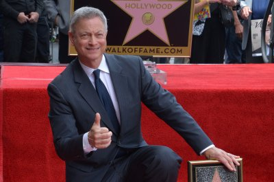 Gary Sinise gets star on the Hollywood Walk of Fame