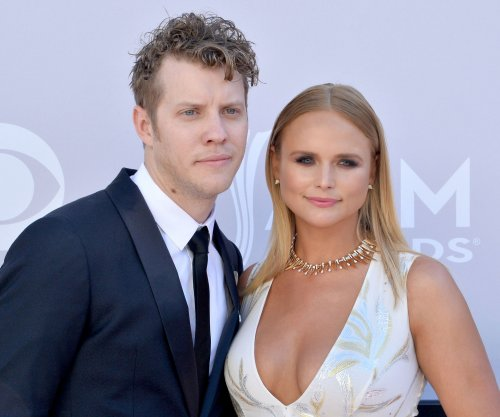 Miranda Lambert on falling in love: 'It's big and it's worth it'