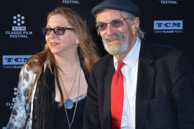 'Ed Wood' star Martin Landau dies at 89