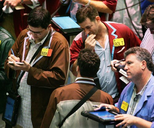 Economic clouds, OPEC jitters send oil prices lower