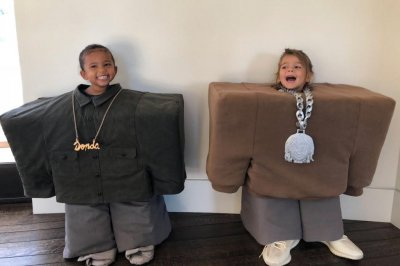 Kardashian kids, other celebrity children dress up for Halloween