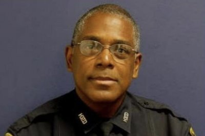 Houston police officer killed, another injured responding to domestic disturbance