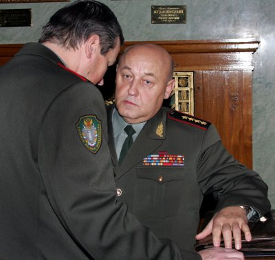Russian military chief tenders resignation