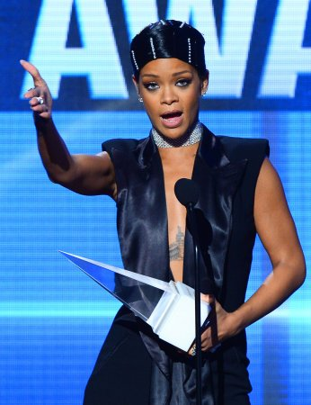 Fan says he faked Rihanna's anti-gay comment