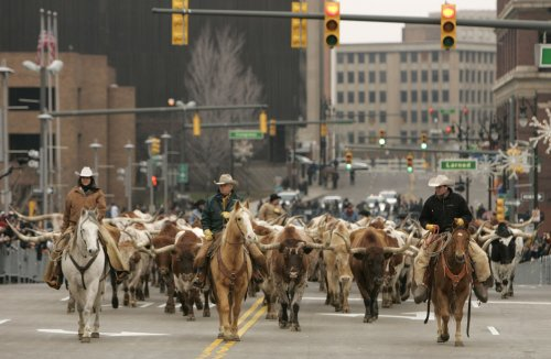 Reid calls on GOP to denounce Nevada rancher