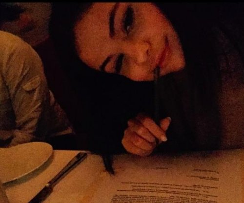 Selena Gomez inks record deal with Interscope