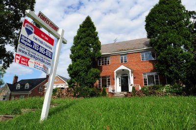 Contract signings to buy homes in U.S. fall for second time in 2015