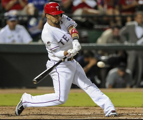 Texas Rangers get deals done with Robinson Chirinos, Tanner Scheppers