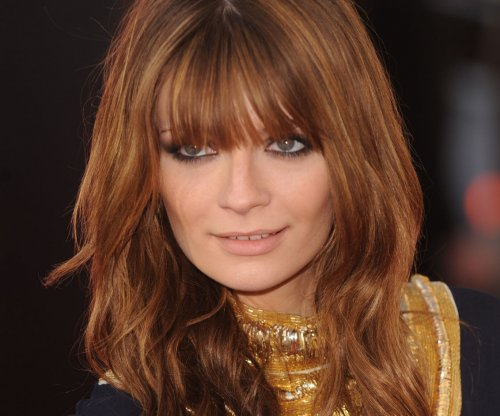 Mischa Barton pushed to tears during first 'Dancing With The Stars' appearance