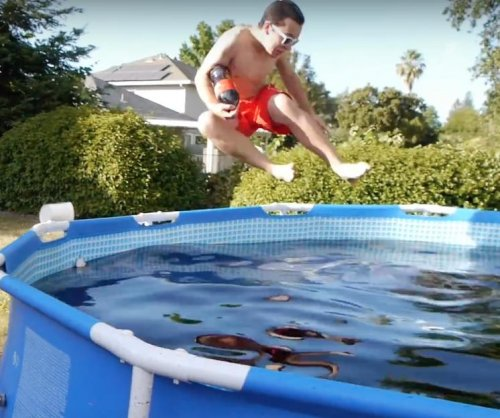 Man bathes in 1,500 gallon swimming pool filled with Coca-Cola, Mentos and ice