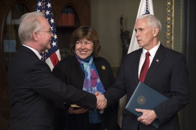 Tom Price sworn in as secretary of health
