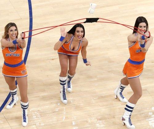 New York Knicks, without Carmelo Anthony, dump Orlando Magic