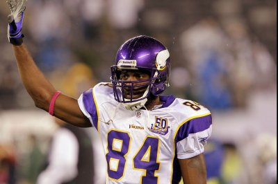 low priced 0684c 1d83b Randy Moss: Minnesota Vikings add WR to Ring of Honor - UPI.com