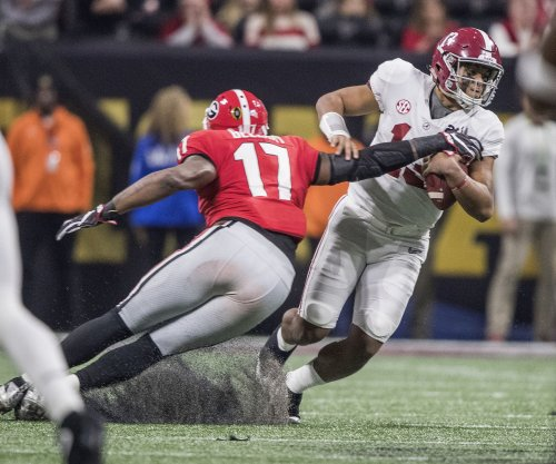 Alabama Crimson Tide QB Tua Tagovailoa injures thumb in practice
