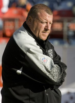 NFL says it won't discipline Tom Cable