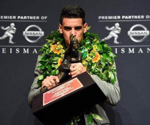 Rival Oregon State congratulates Oregon's Marcus Mariota