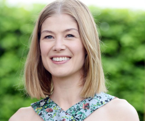 Rosamund Pike, Chris O'Dowd to star in 'State of the Union' comedy series