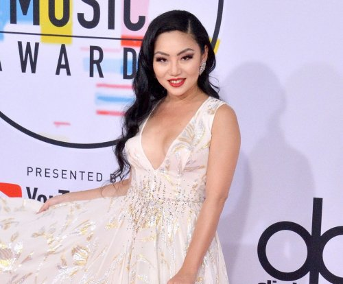 Lana Condor announces 'To All the Boys I've Loved Before' sequel
