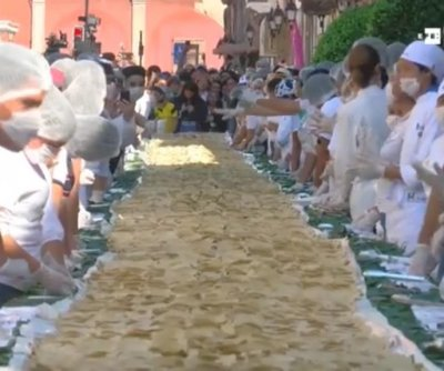 335-foot-long carnitas taco breaks Guinness record in Mexico