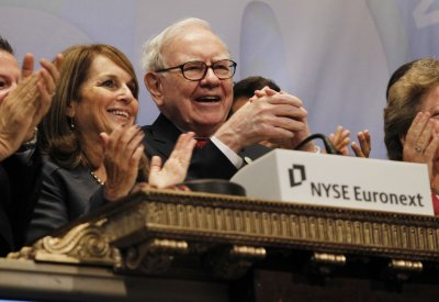 Buffett swaps Washington Post stock, gains Miami television station
