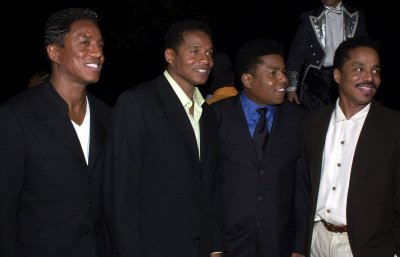 Tito Jackson sued in England over debt