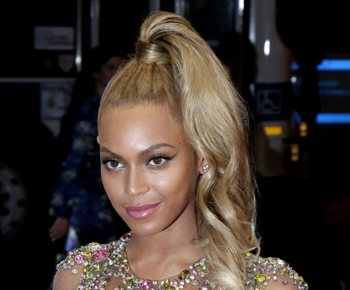 Beyonce and fans support Flint water victims