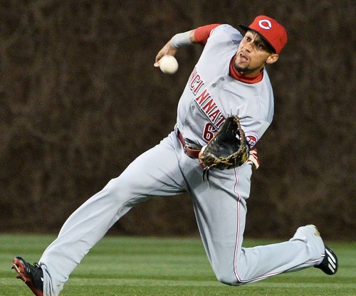 Cincinnati Reds CF Billy Hamilton struck in face by line drive