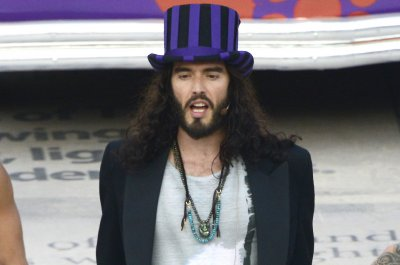 Russell Brand confirms his girlfriend is pregnant