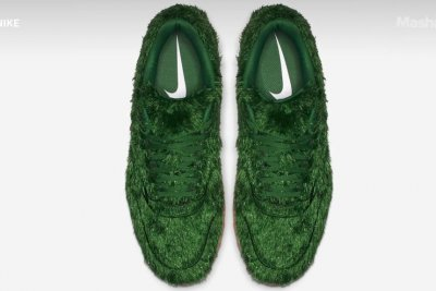 Nike's new golf shoes feature a coating of 'grass'