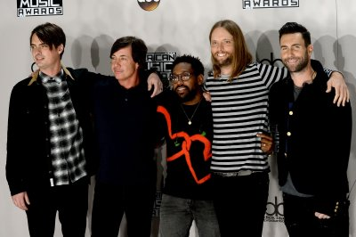 Maroon 5, Tim McGraw to perform at Super Bowl LIII