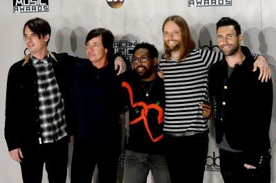 Maroon 5, Tim McGraw to perform at Super Bowl LIII