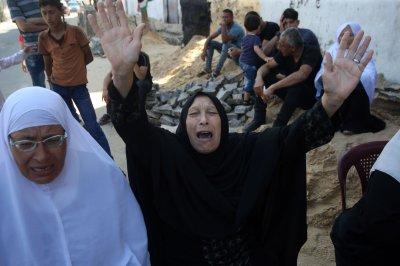Israeli gunfire kills 1 Palestinian, injures dozens in Gaza protest